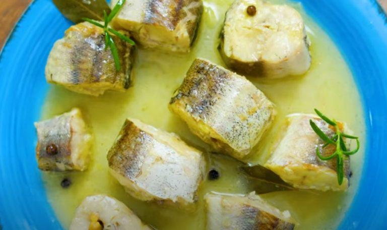 Самый вкусный и нежный минтай. Рыба тает во рту: очень простой и быстрый рецепт!